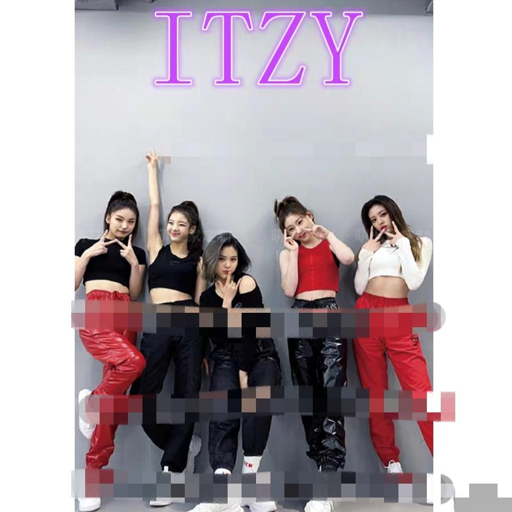 Po Itzy Wannabe Dance Practice Full Outfits Anh Apparel Entertainment K Wave On Carousell