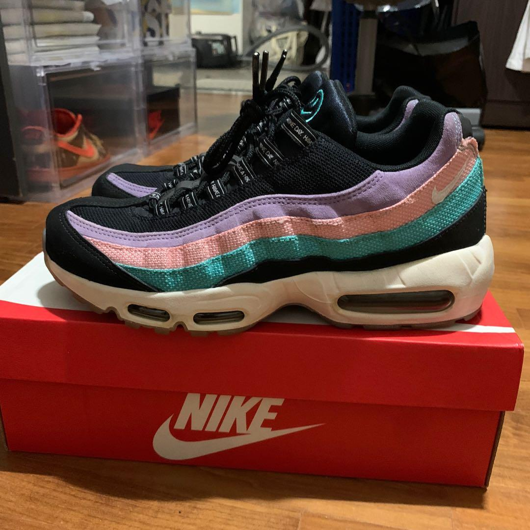 Reduced* Nike Air Max 98 have a Nike