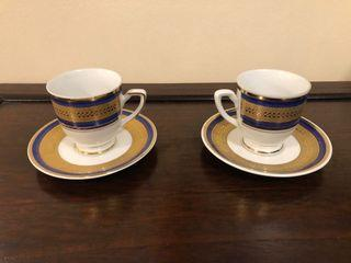 A pair of Antique German small teacups (Bavarian)