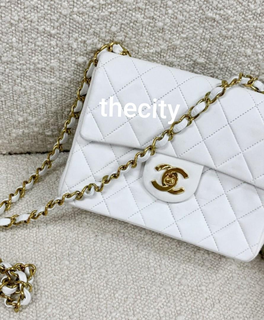 AUTHENTIC CHANEL SMALL QUILTED FLAP BAG - VINTAGE -  WHITE LAMBSKIN - GHW -