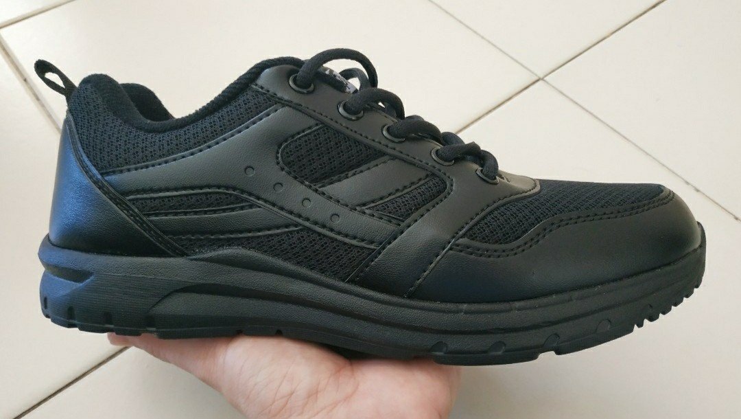 Black School Shoes (Size 6 Brand New