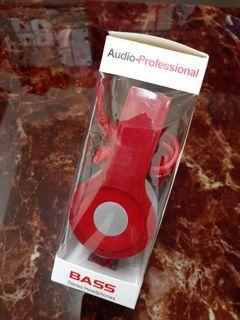 降價優惠!耳機(頭戴式)耳機!😅(頭戴式)耳機!🤣就是……頭戴式耳機