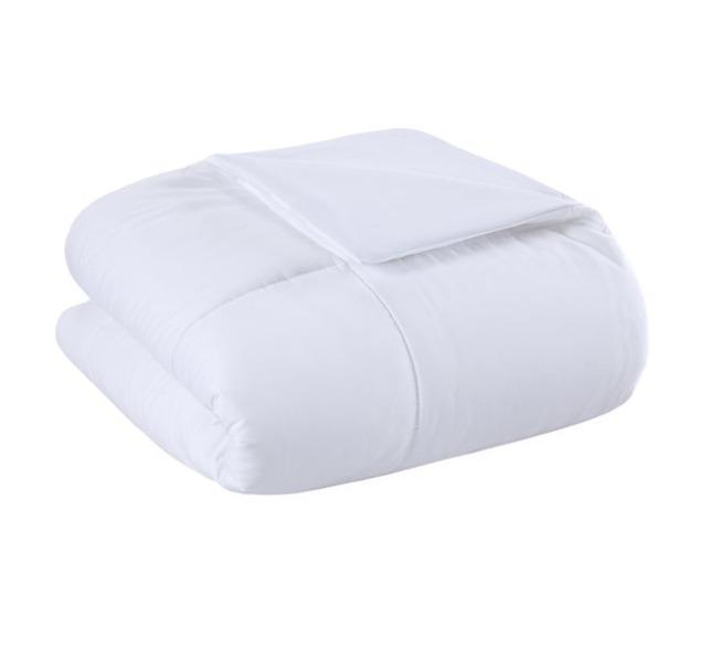 Brand New Twin XL/ Double Down Alternative Comforter Duvet