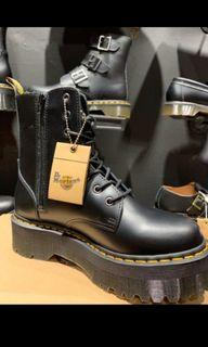 馬丁靴→Dr.  Air Wair  Martens😎