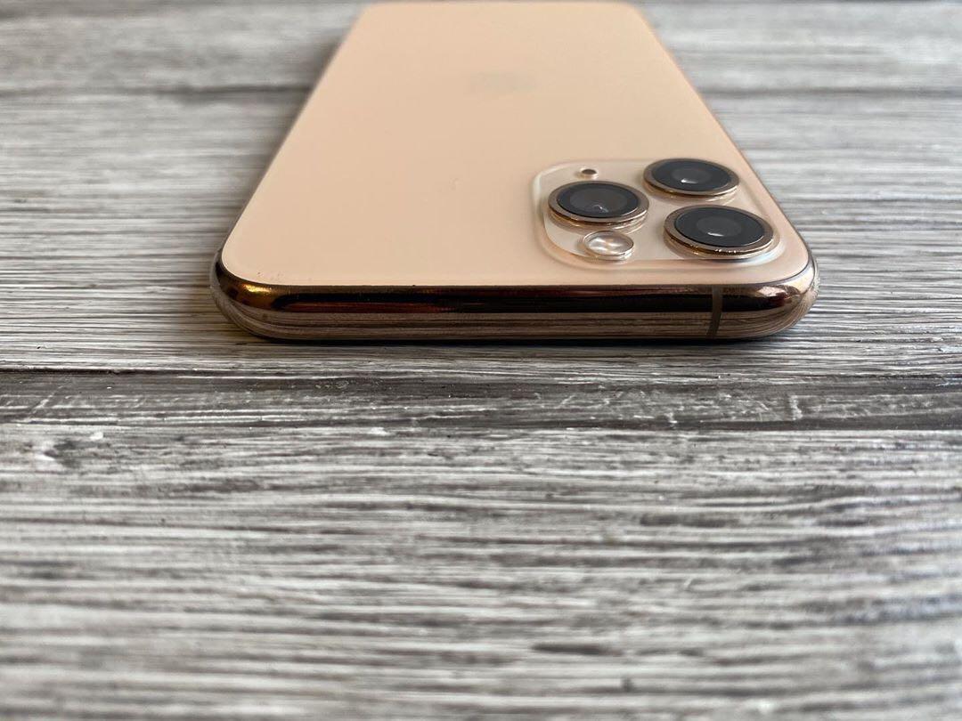 iPhone pro max rose gold