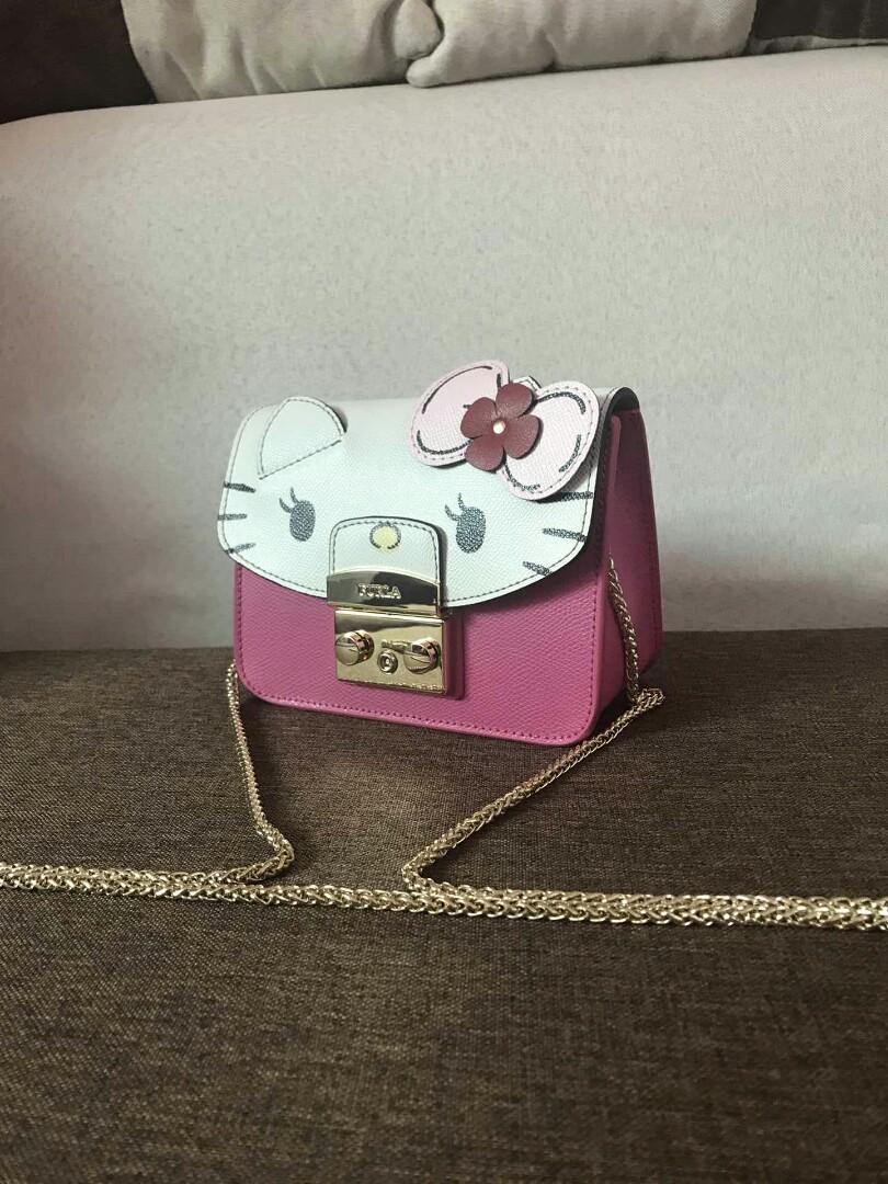 SALE Original FurlaLovesHelloKitty FURLA Hello Kittyhello kittykittyFURLAHello Kitty Lovely wind strikes The series