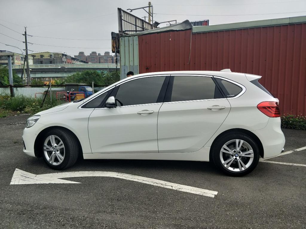 正2016年式 小改款BMW 218d 2.0柴油渦輪 原廠珍珠白