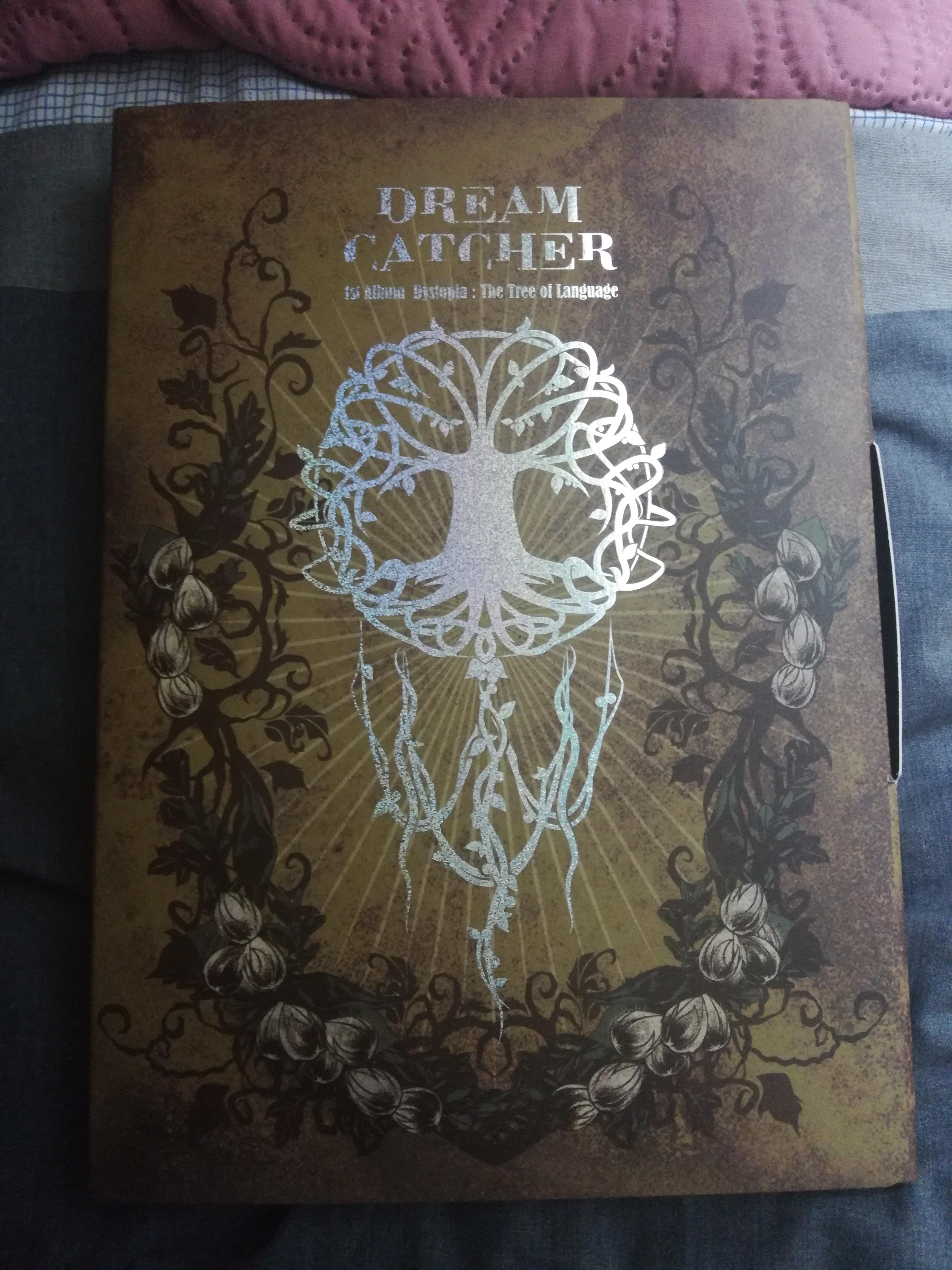 Dreamcatcher 1st album Dystopia: The Tree of Language