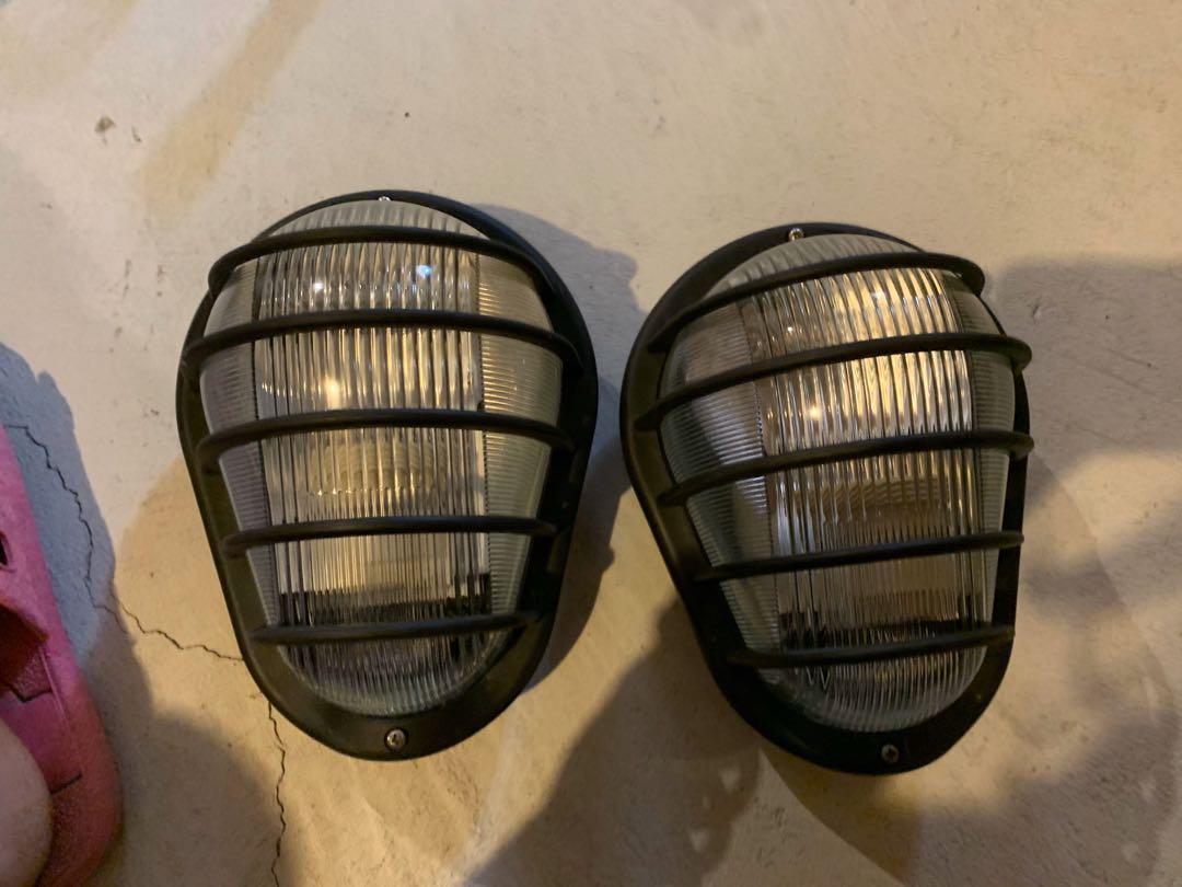 One pair light 10$