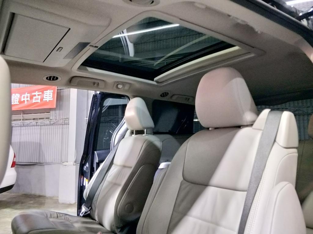 正2016年 Toyota Sienna Limited 最頂級雙天窗版本 實車實價136.8萬