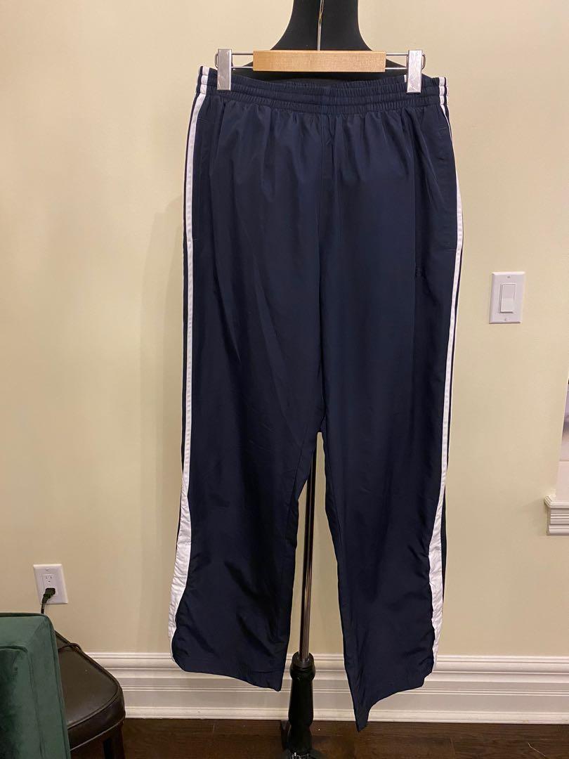 adidas jogging pants size M