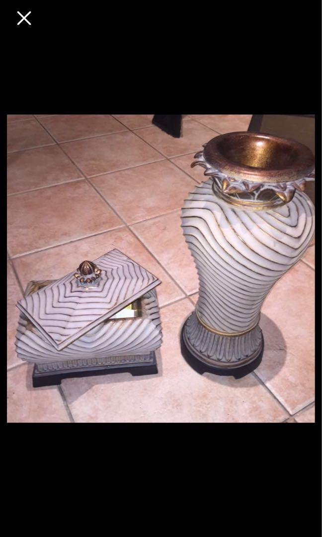 Vase and pot set