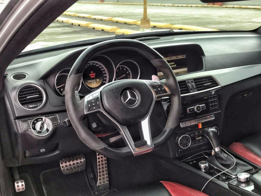 2011 M-Benz C-Class Coupe C63 AMG Coupe