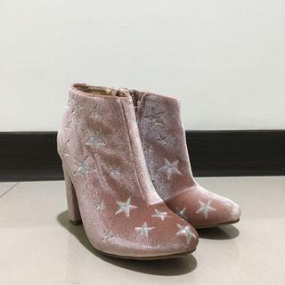 🌷二手//九成新 未穿出門過 粉色珠光 銀色 星星 刺繡 高跟鞋 37碼 無鞋盒 #新開始