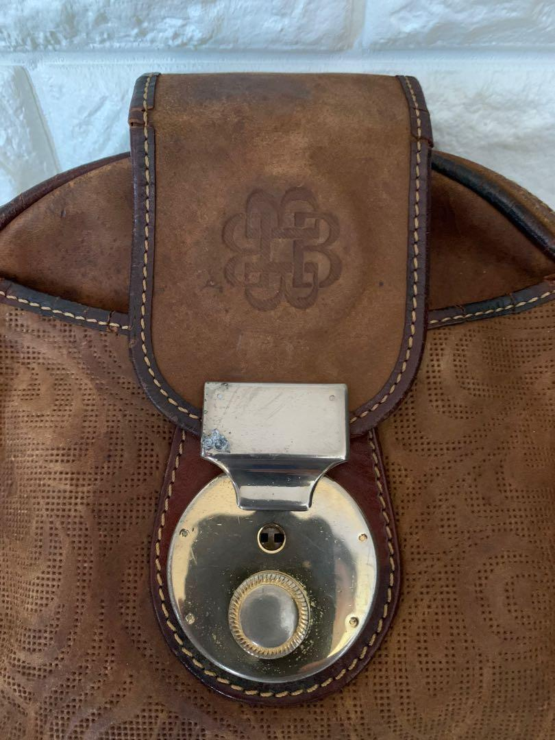 Bonia mini clutch 20 x 20 x 6 cm, full leather, vintage, kondisi 80% OK, antik unik!