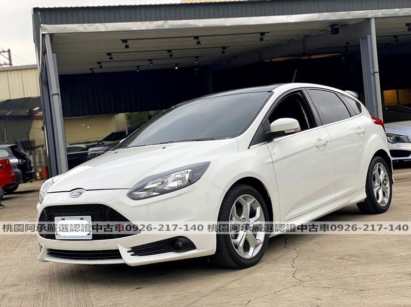 【FB搜尋桃園阿承】福特 超人氣FOCUS ST包 2013年 2.0CC 白色 二手車 中古車