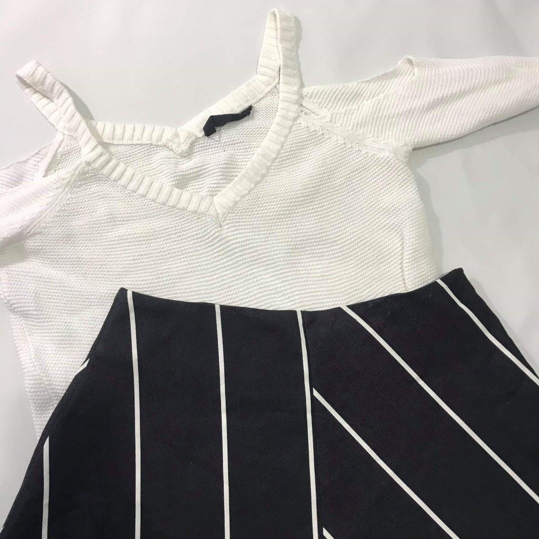 Offshoulder sweater