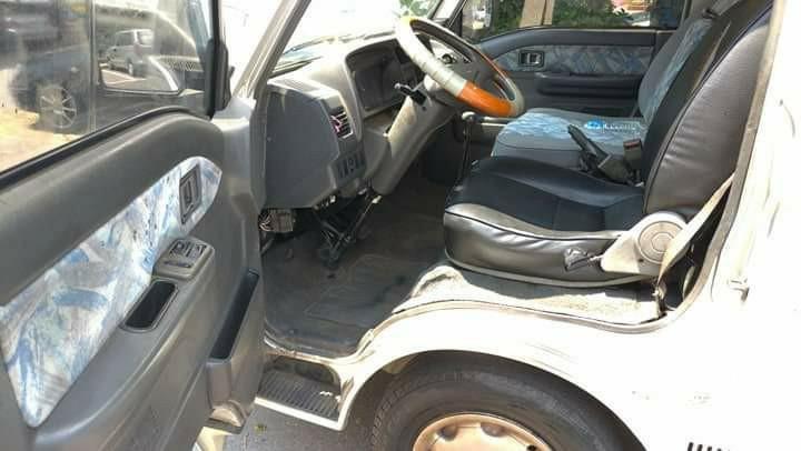高雄\2004年福特載卡多 2.0cc 8人座.手排/無待修
