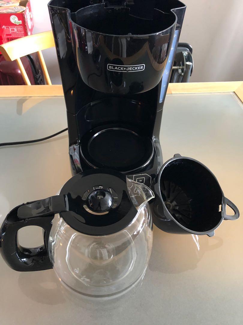 Black+ Decker Coffee Maker 12 cup CM1105 BC85% New$25