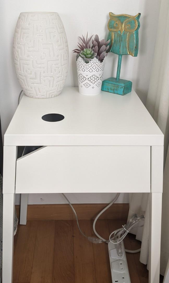 Picture of: 2 Ikea White Metal Bedside Tables Furniture Tables Chairs On Carousell