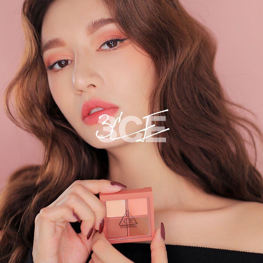 *Like New* 3CE Mini Multi Eye Color Palette # Rose Latte