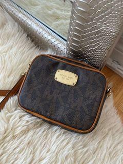 Michael Kors Purse handbag (Authentic)