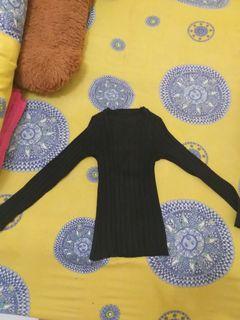 Baju Lengan Panjang Hitam