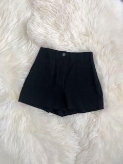 BNWOT Wilfred Free Shorts // Black // Size 0