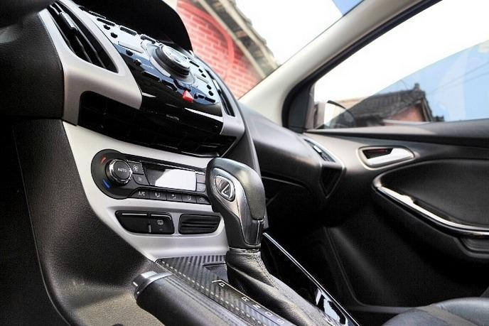 【FB搜尋桃園阿承】福特 超人氣FOCUS 2013年 2.0CC 黑色 二手車 中古車