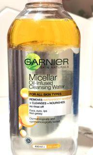 Garnier Micellar Oil-Infused Cleansing Water (400 ml)