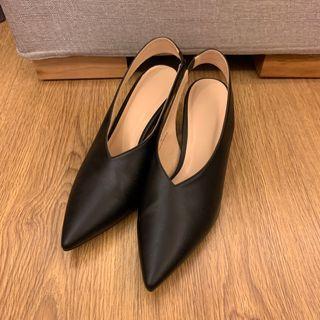 M號黑色跟鞋