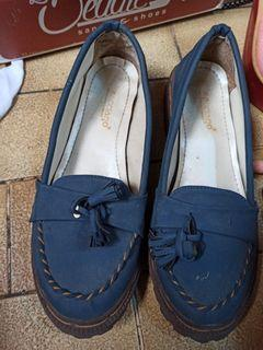 Sepatu beken