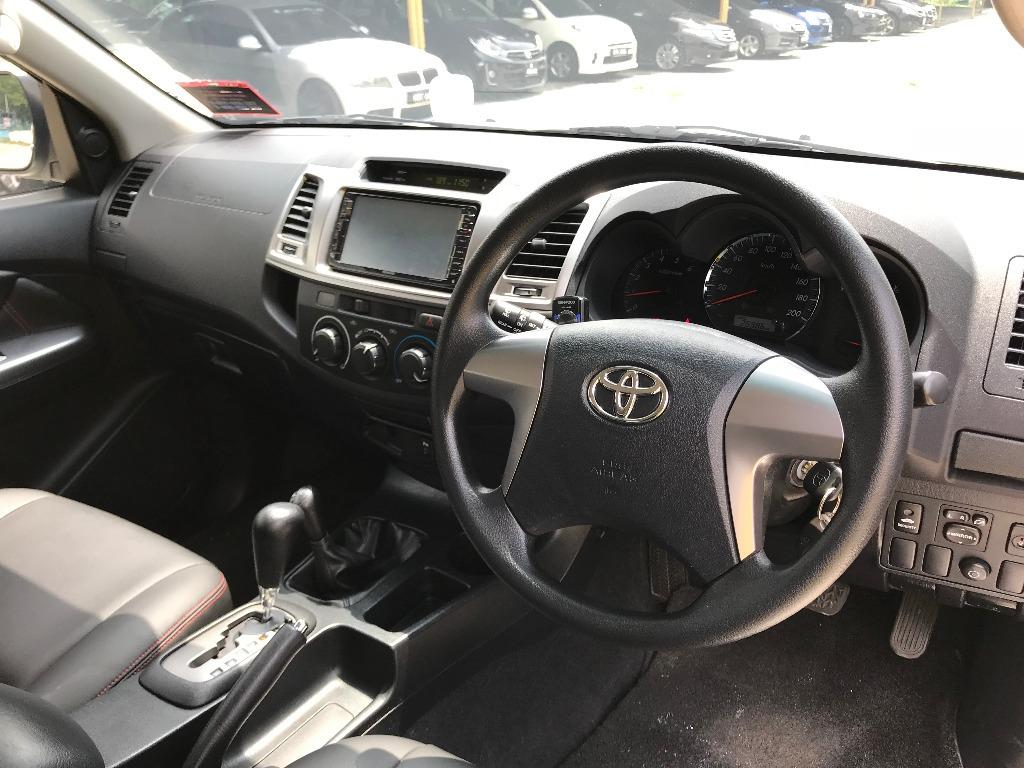 Toyota Fortuner 2.7 (A)