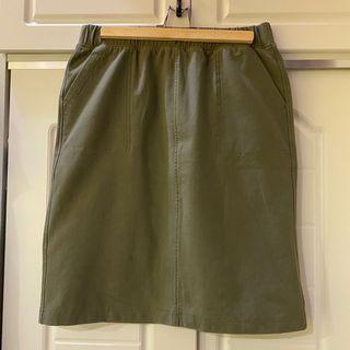 🛍二手衣大拍賣🛍 #UNIQLO #軍綠棉質彈性裙