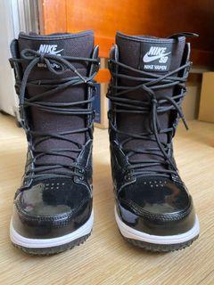 Nike 黑色基本款Ski boots  24.5cm