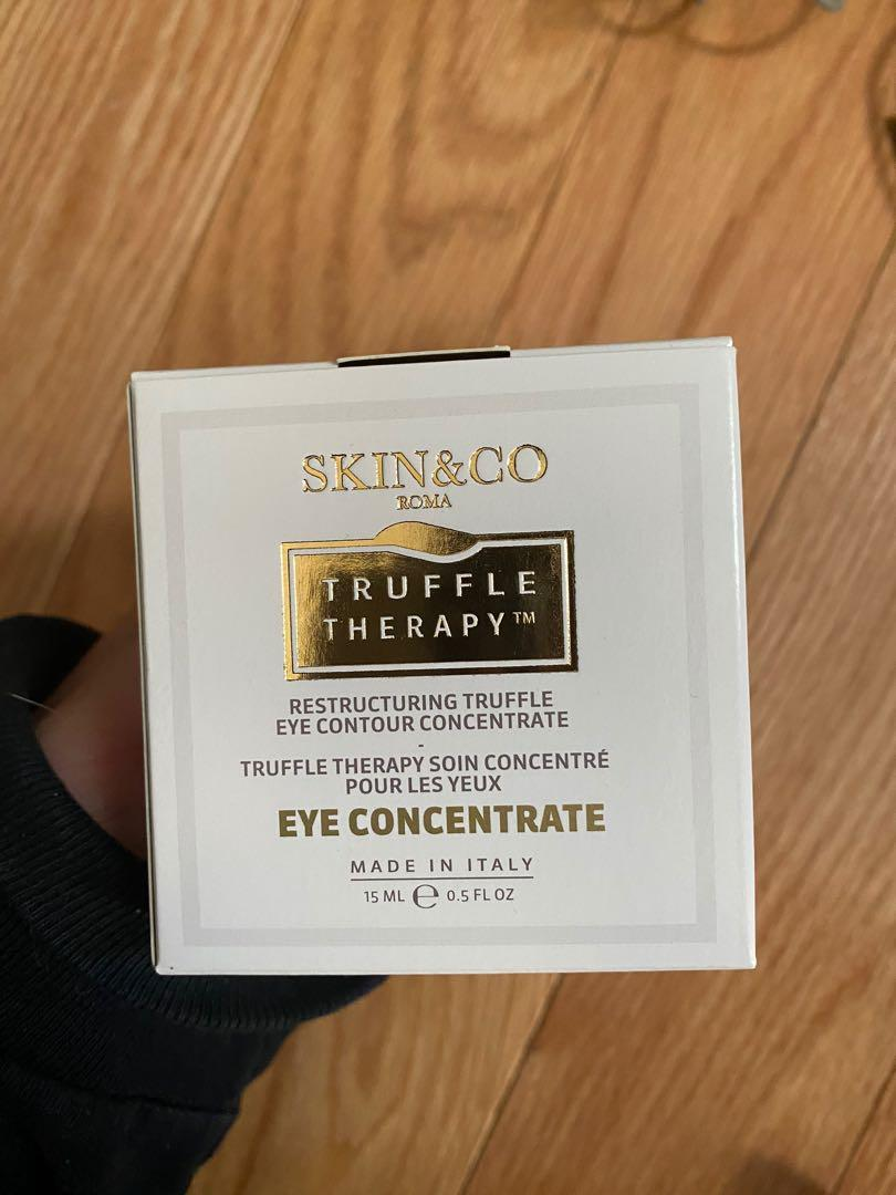 Skin & Co eye concentrate