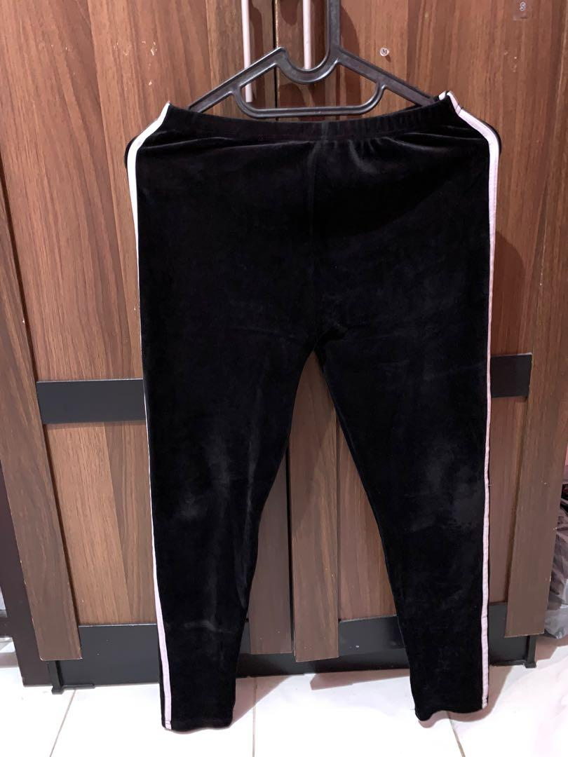 Celana Legging Bludru Fesyen Wanita Pakaian Wanita Bawahan Di Carousell