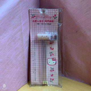 【Hello Kitty】 草莓KT扣鎖式三桿毛巾架