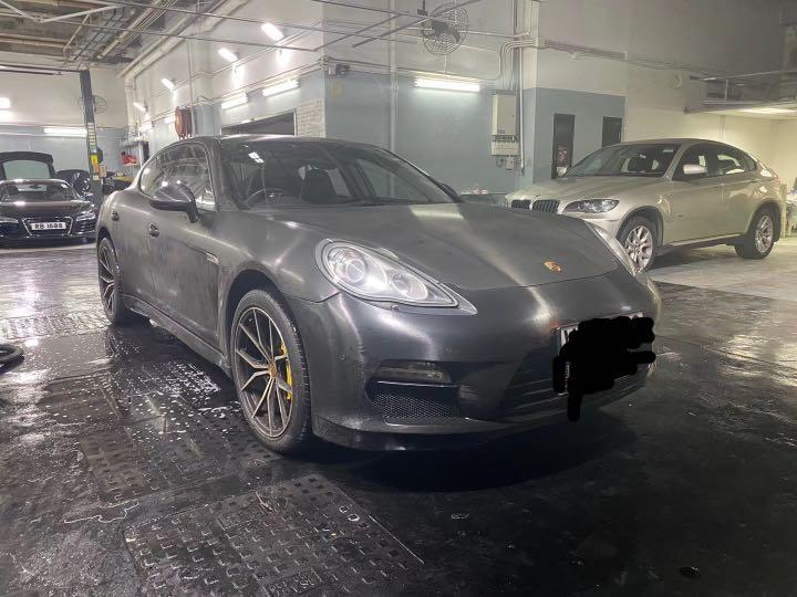 Porsche Panamera 4S (A)