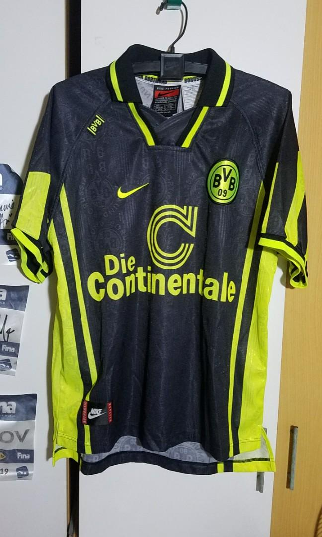 Invalidez aceleración Enviar  MOVING OUT OF CAROUSELL SALE Borussia Dortmund Nike Jersey L, Sports,  Sports Apparel on Carousell