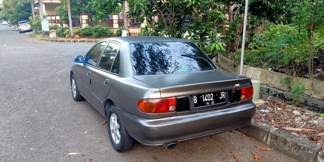 Mitsubishi Lancer GLX Th '93