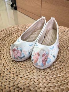古裝刺繡鞋37-37.5都可穿