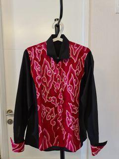 Kemeja Batik Lengan Panjang Hitam Merah Mega Mendung