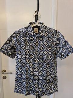 Kemeja Batik Plus Lengan Pendek Abu