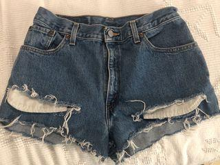 Levi's high waisted shorts size small
