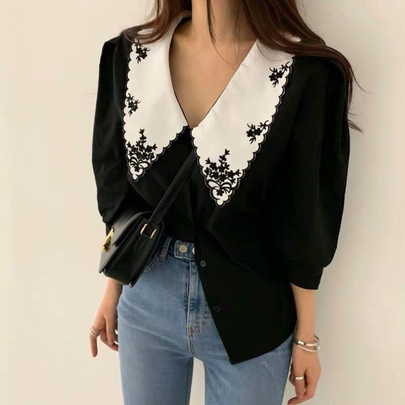 S M L black/white t shirt
