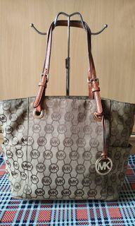 Authentic MK