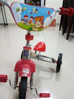 My dear tricycle come with free gift (last 2 photos)