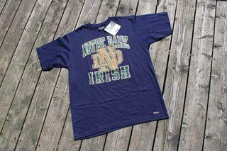 Notre Dame Fighting Irish NCAA Jansport TShirt / Vintage 90s