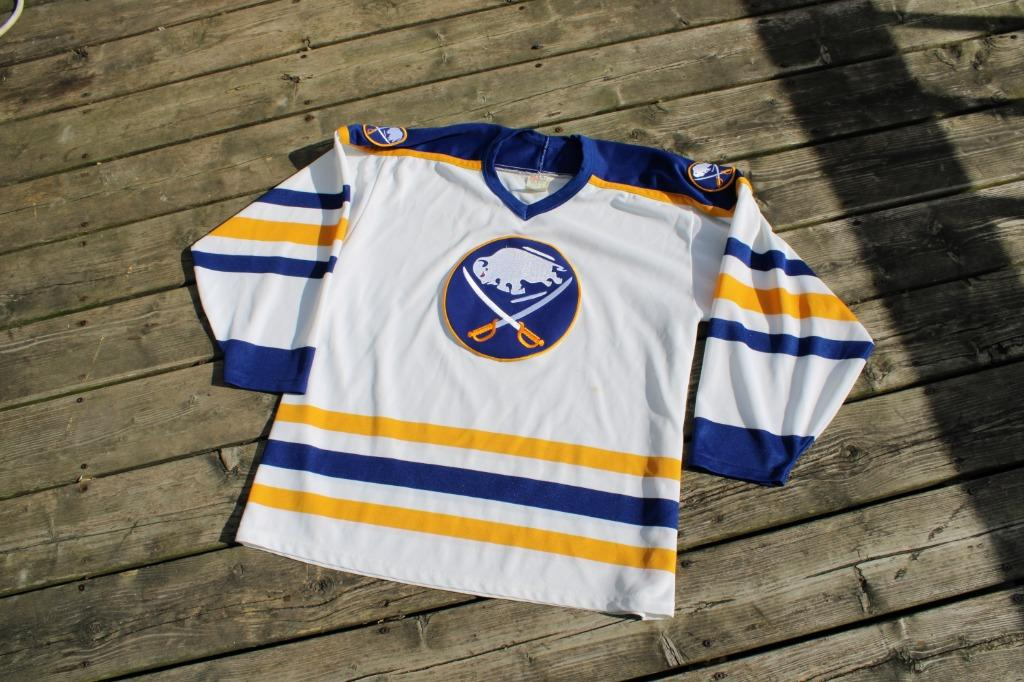 Vintage Buffalo Sabres CCM Jersey / 90s NHL Hockey Team Uniform